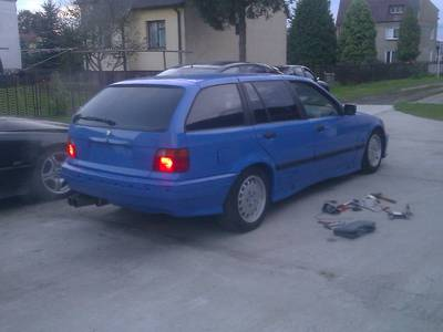 Bmw e36 Touring Santorini Blue 1