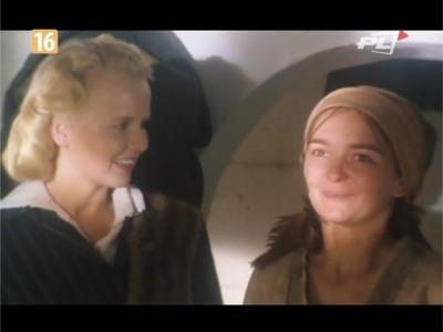 """Kadr z serialu """"Boża Podszewka""""."""