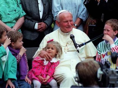 Jan Paweł II otwarcie rozmawia z gimbusami