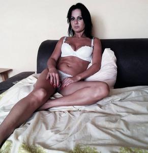 Tylko młodzi - Sylwia