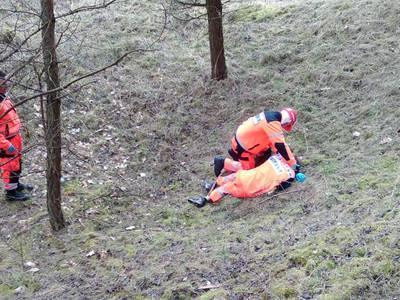 16.03.19 - cwiczenia z poszukiwań i ewakuacji w lesie 4