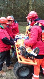 16.03.19 - cwiczenia z poszukiwań i ewakuacji w lesie 56