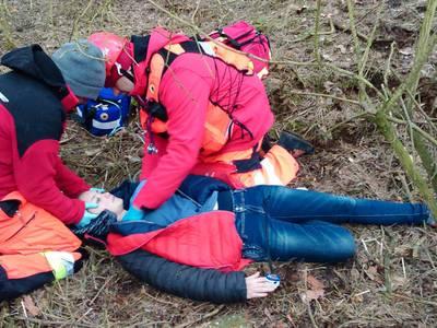 16.03.19 - cwiczenia z poszukiwań i ewakuacji w lesie 68