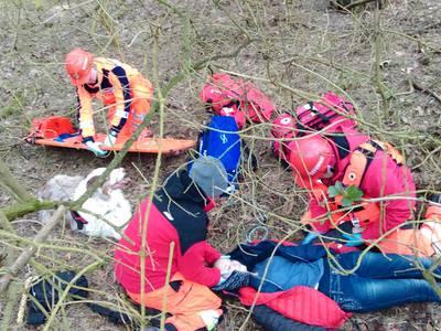 16.03.19 - cwiczenia z poszukiwań i ewakuacji w lesie 72