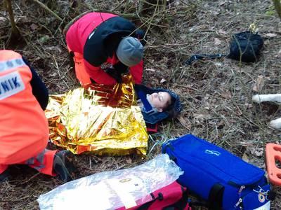 16.03.19 - cwiczenia z poszukiwań i ewakuacji w lesie 77