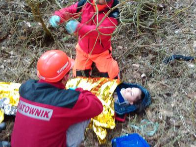 16.03.19 - cwiczenia z poszukiwań i ewakuacji w lesie 84