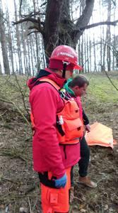 16.03.19 - cwiczenia z poszukiwań i ewakuacji w lesie 88