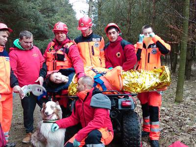 16.03.19 - cwiczenia z poszukiwań i ewakuacji w lesie 121