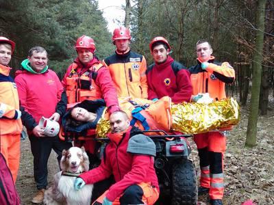 16.03.19 - cwiczenia z poszukiwań i ewakuacji w lesie 122