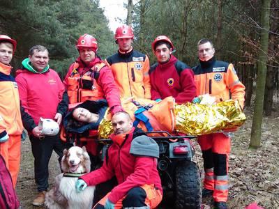 16.03.19 - cwiczenia z poszukiwań i ewakuacji w lesie 123