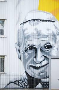 Święty Jan Paweł II WIELKI - grafito na szpialu