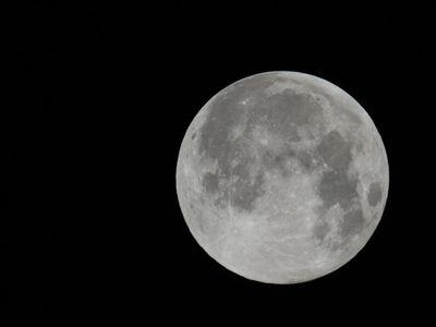 Księżyc 3