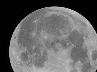 Księżyc 6